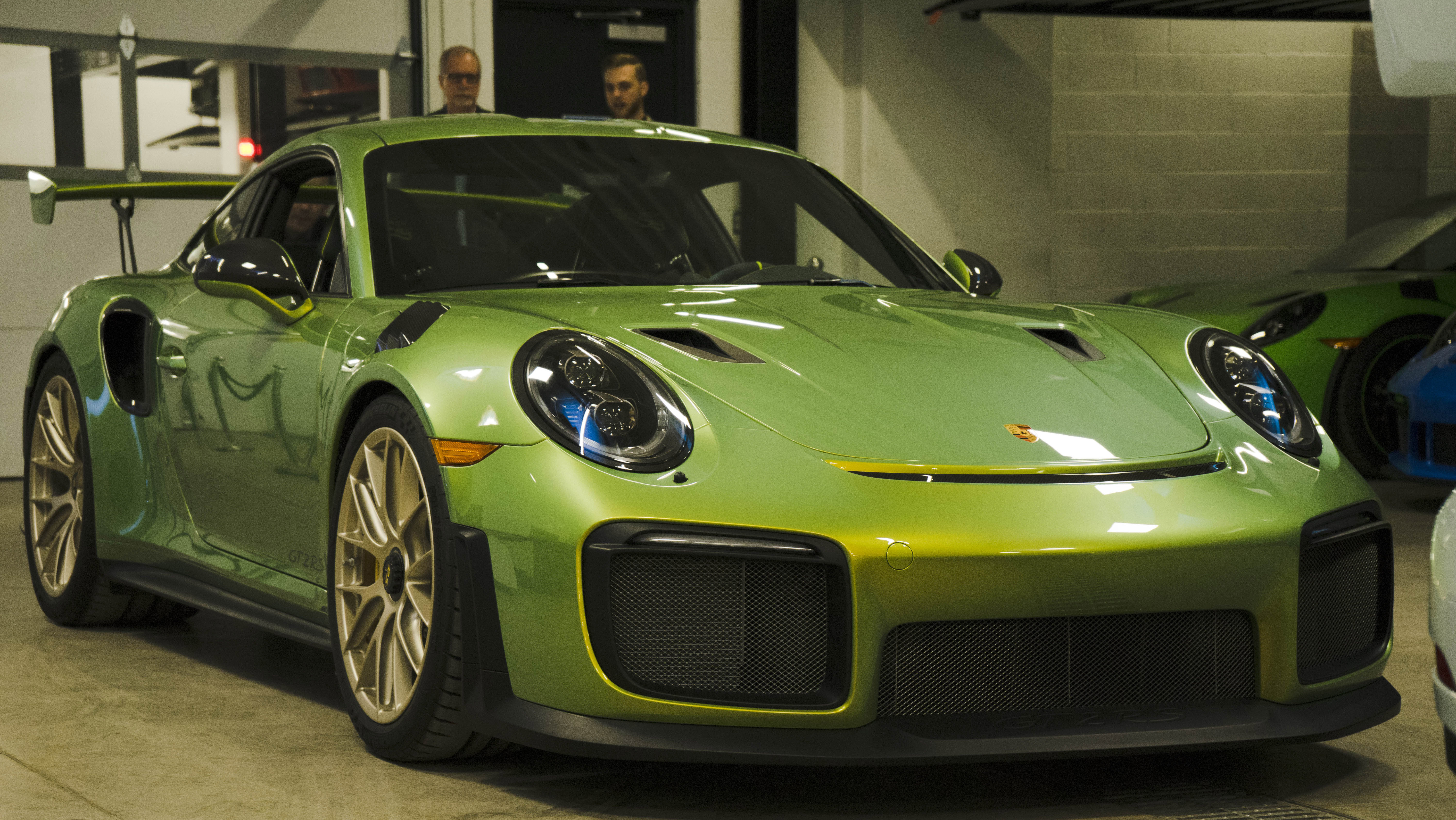 Porsche 911 GT2 RS Exclusive Manufaktur