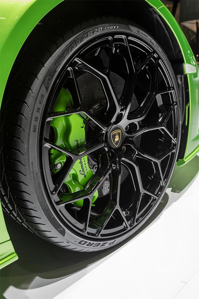 TrackWorthy - Lamborghini Huracán EVO Spyder (3)