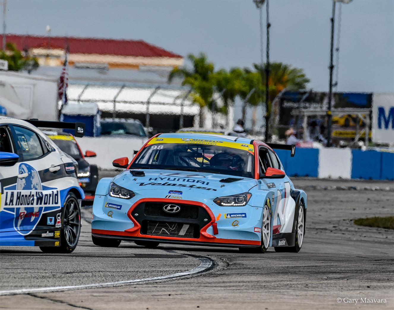 TrackWorthy - Michelin_race_#98_Hyundai Velostar enters turn 16