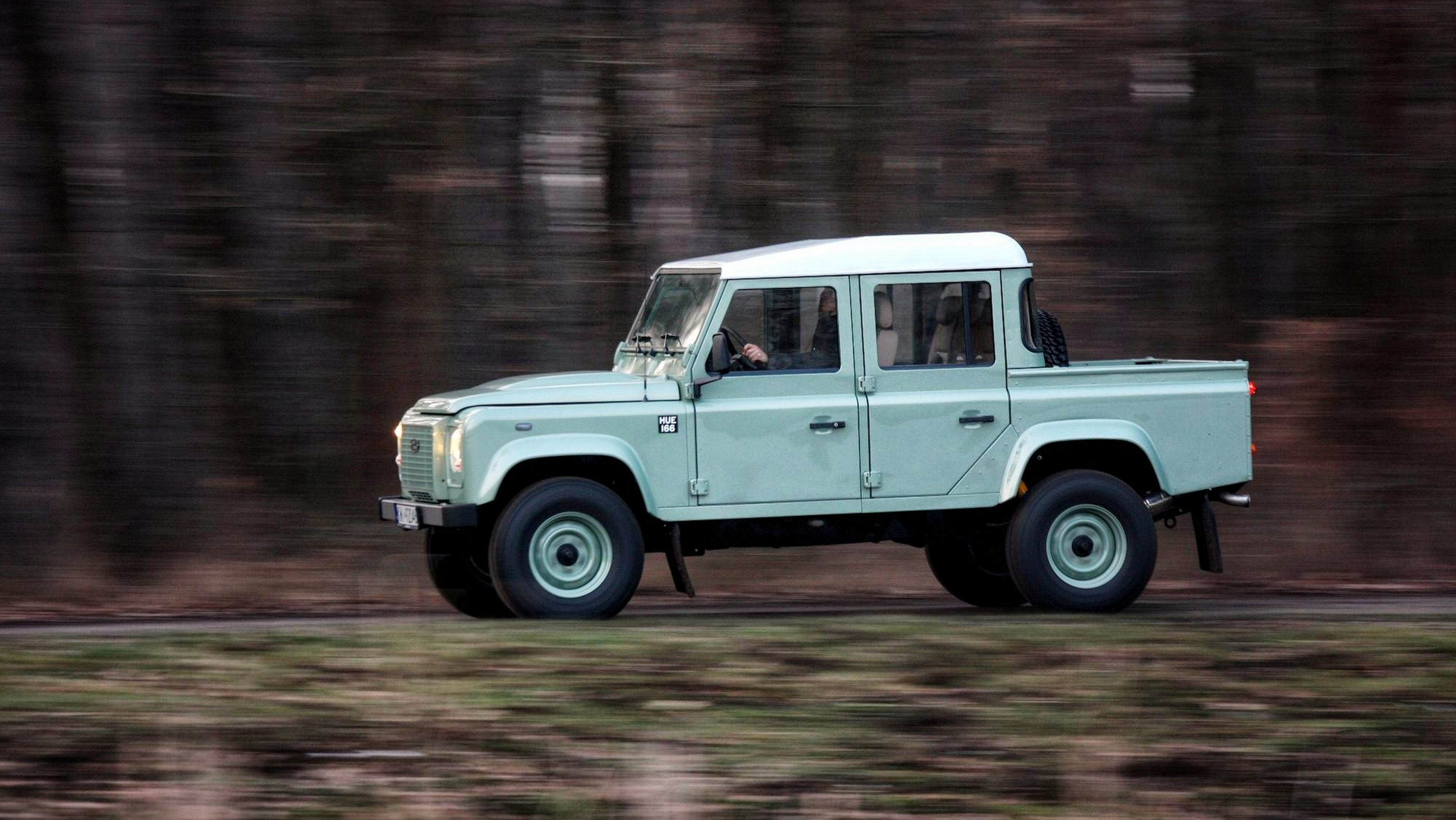 Land Serwis Will Build You a New Land Rover Defender