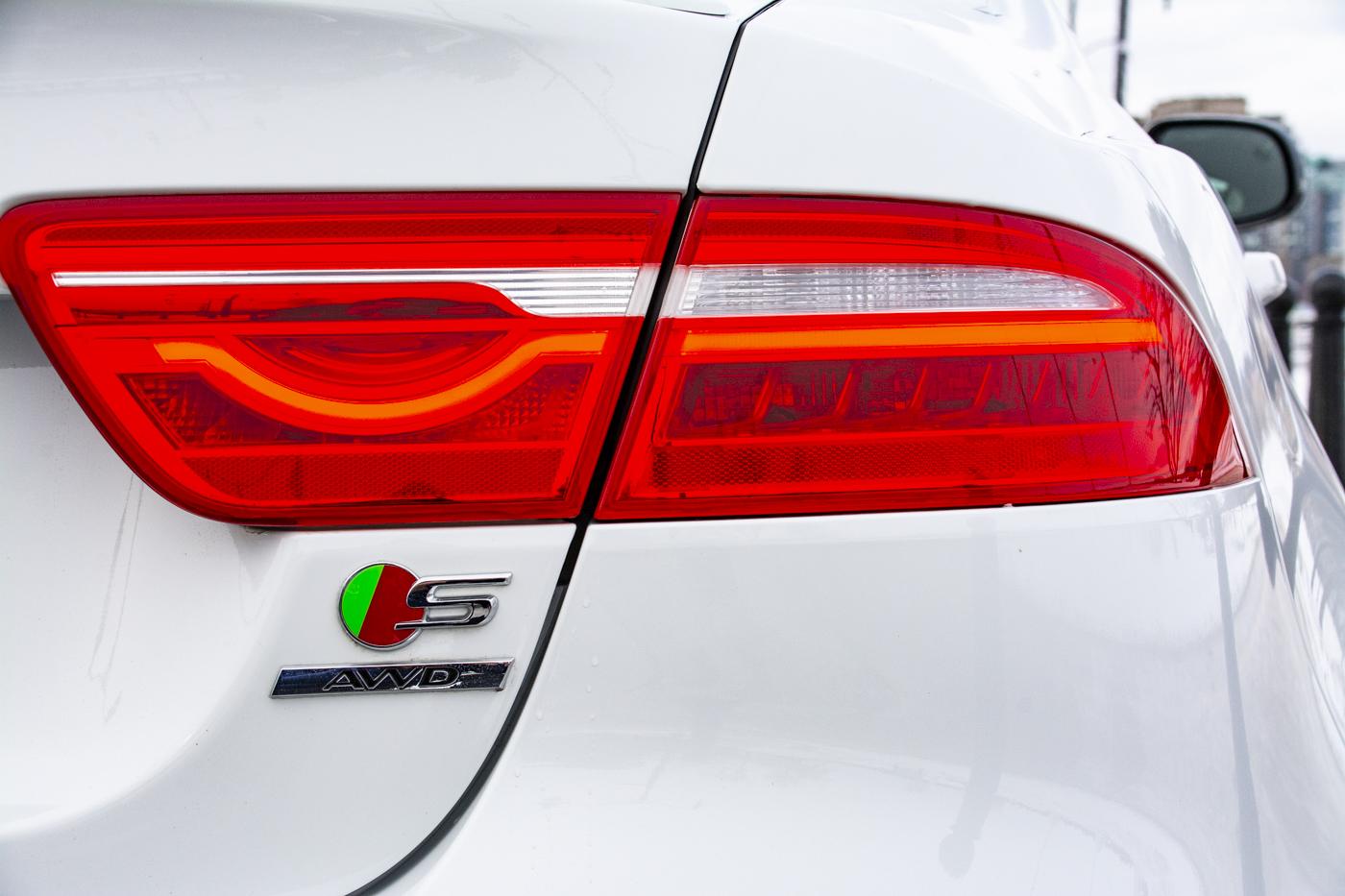 TrackWorthy - 2018 Jaguar XE 380 AWD S (14)