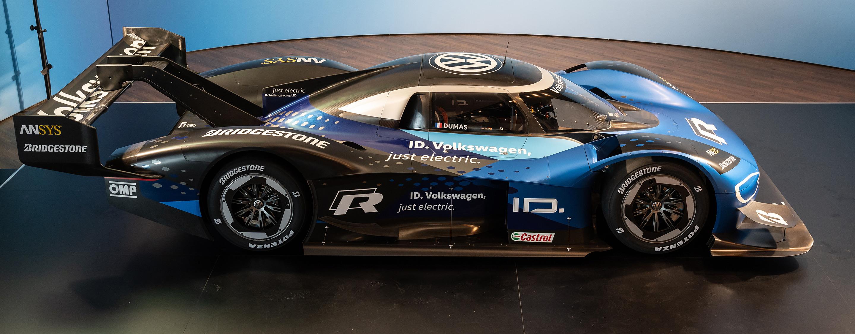 TrackWorthy - Volkswagen ID. R Tests at Nurburgring Nordschleife (2)