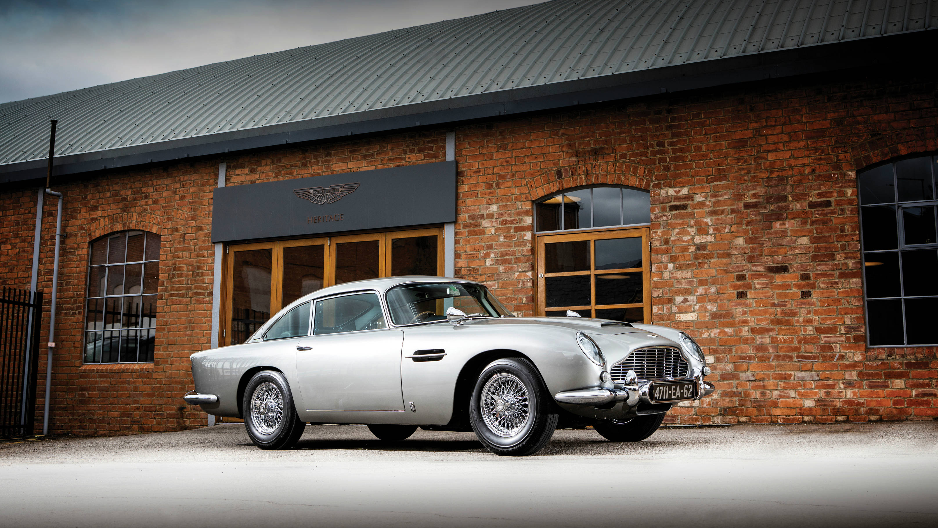 1965-Aston-Martin-DB5 Goldfinger spec