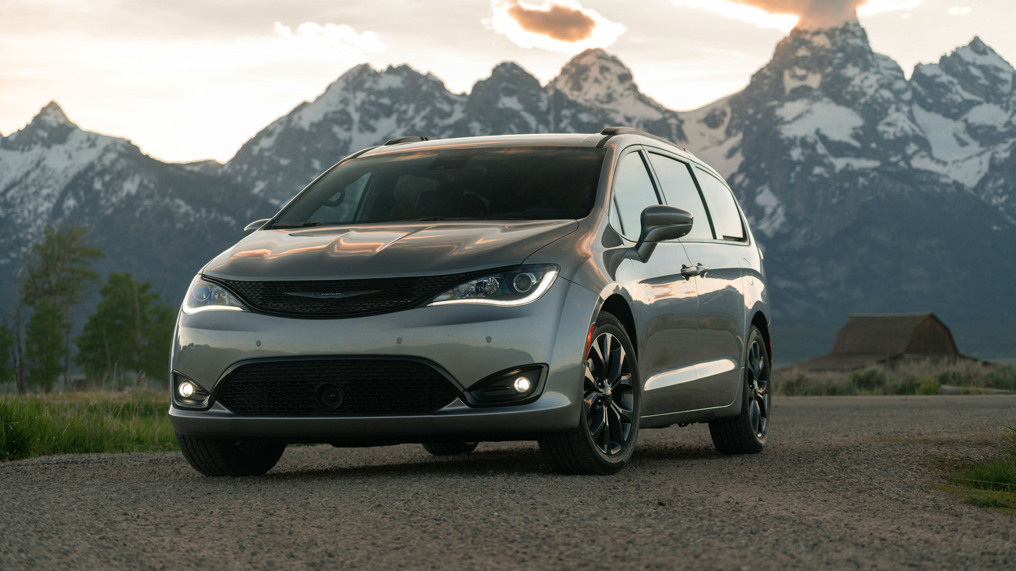 Chrysler Pacifica Red S Edition