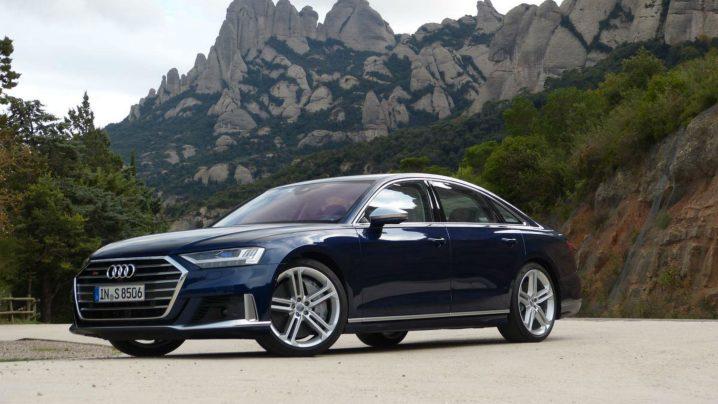 Review 2020 Audi S8