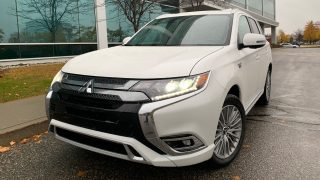 Review 2020 Mitsubishi Outlander PHEV