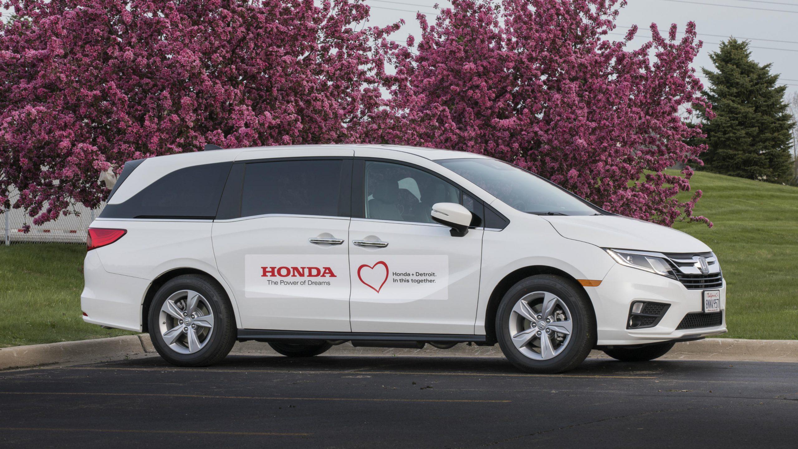 Honda Modifies Minivan