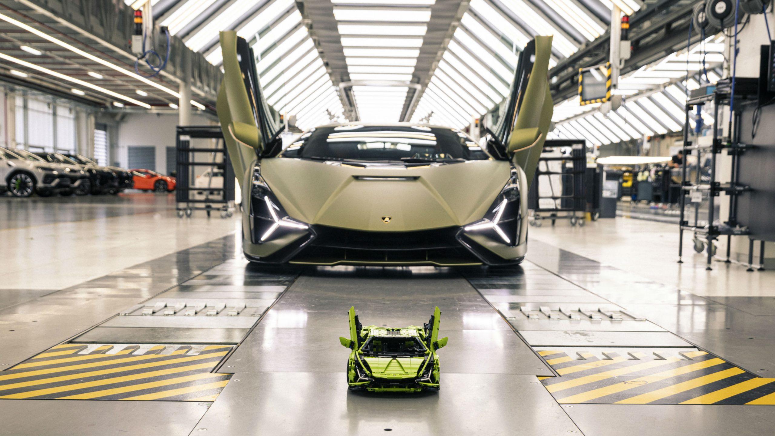 LEGO Technic Lamborghini Sian
