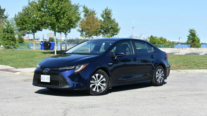 Review 2020 Toyota Corolla Hybrid