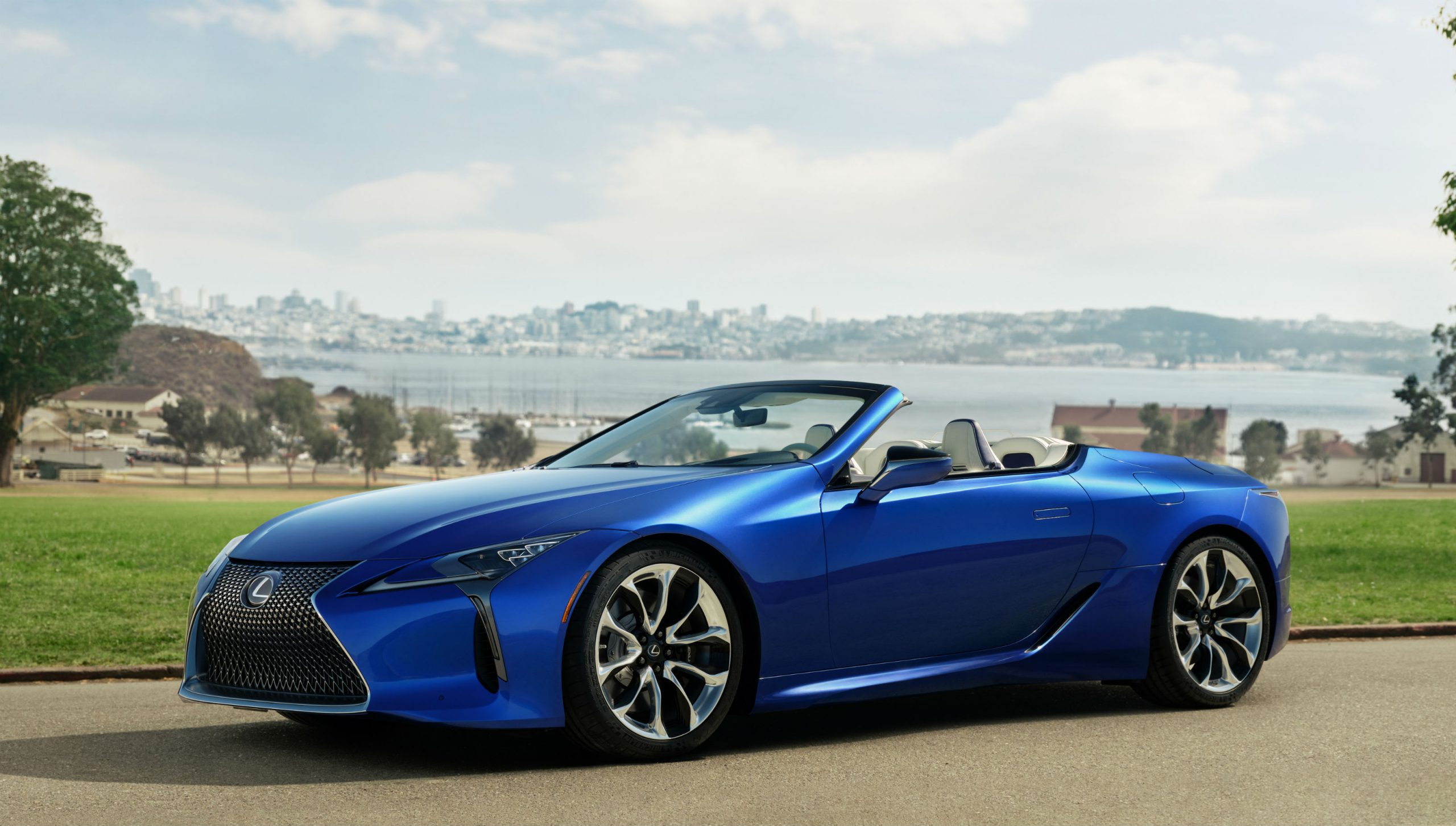 LC 500 Convertible