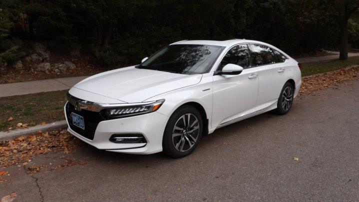 Review 2020 Honda Accord Hybrid Touring
