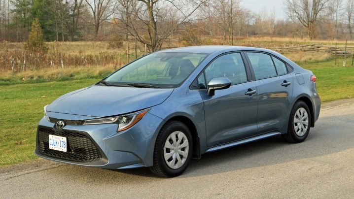 Review 2021 Toyota Corolla L