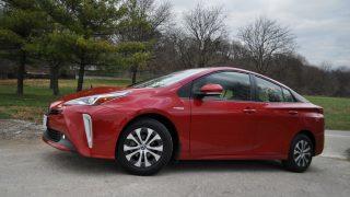 Review 2021 Toyota Prius AWD-e