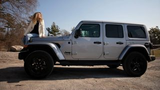 Review 2021 Jeep Wrangler Sahara Altitude