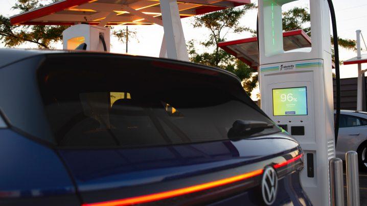VW ID.4 charging