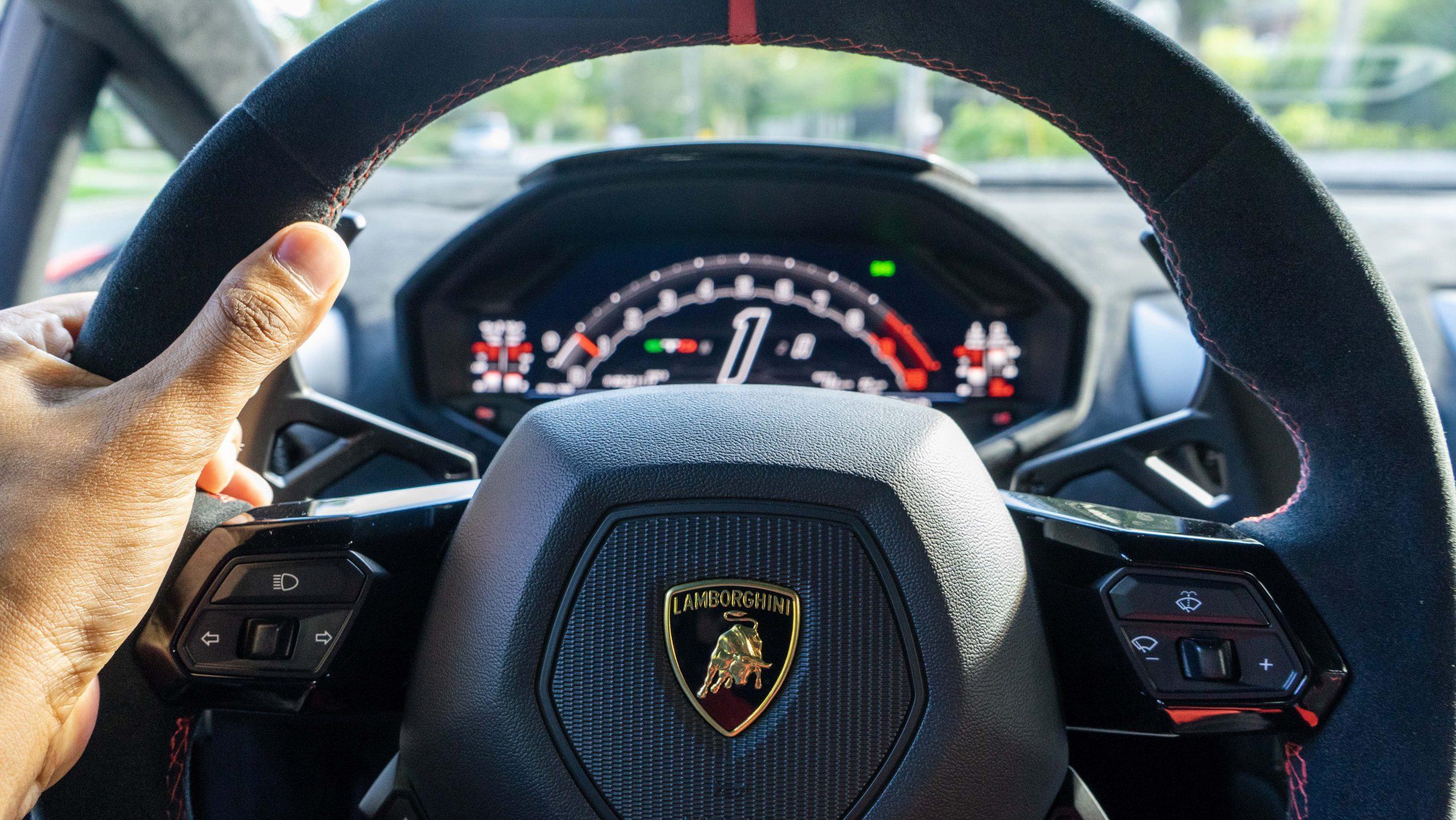 huracan sto steering wheel